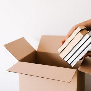 Kā profesionāli sapakot grāmatas